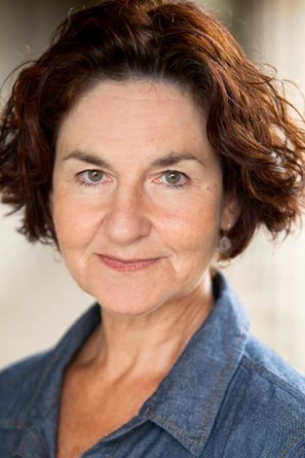 Image of Elaine Caxton